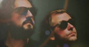 El dúo granadino Versálico lanza el single 'Látigo'